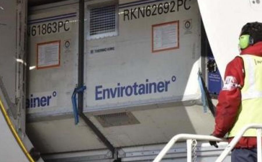 Llegó un vuelo con más de 800 mil vacunas de AstraZeneca